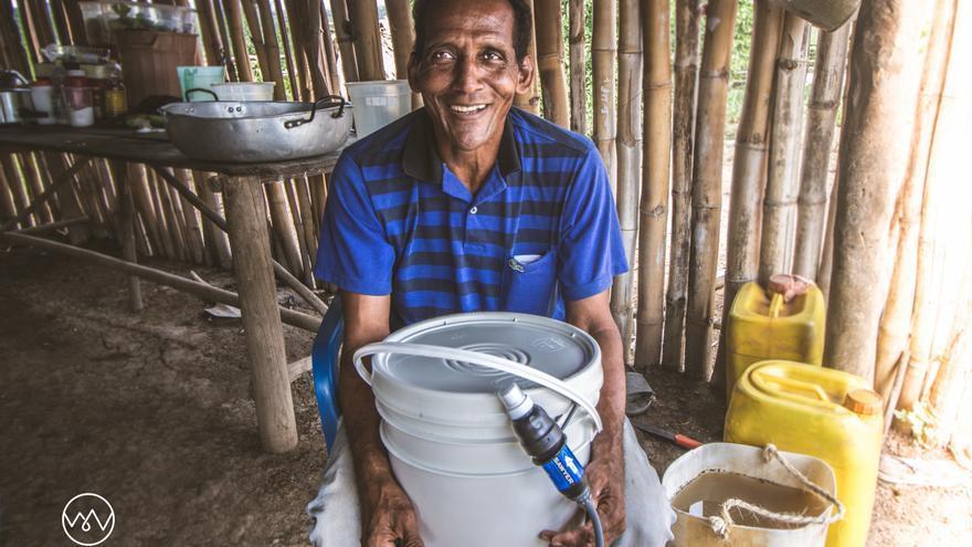 El año pasado repartimos 320 filtros de agua potabilizadores en Las Veredas de El Salado y María la Baja, en Colombia. Foto: The Water Van Project