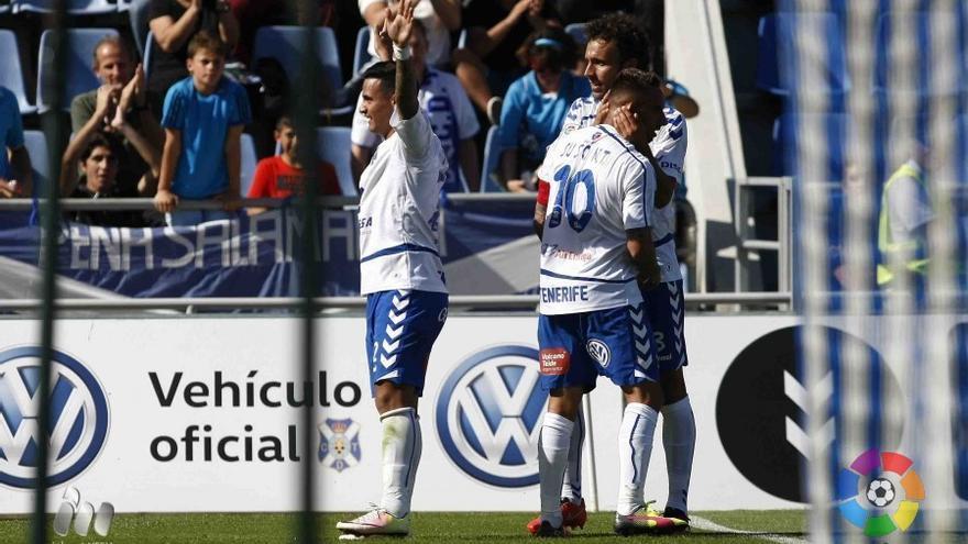 Nano celebra uno de sus goles ante el Valladolid. (LFP)