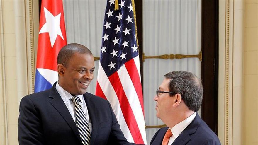 Cuba lamenta que el embargo limite los beneficios de la reanudación de los vuelos con EE.UU