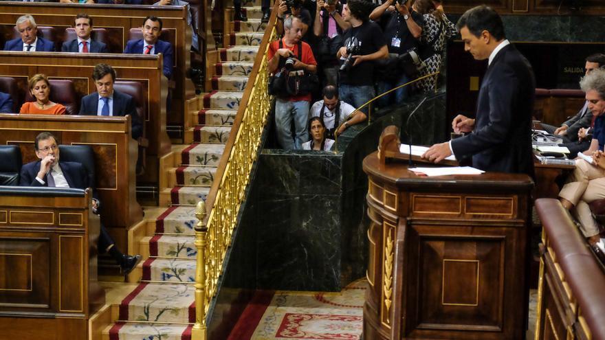 Pedro Sánchez durante su réplica a Mariano Rajoy en el Congreso de los Diputados