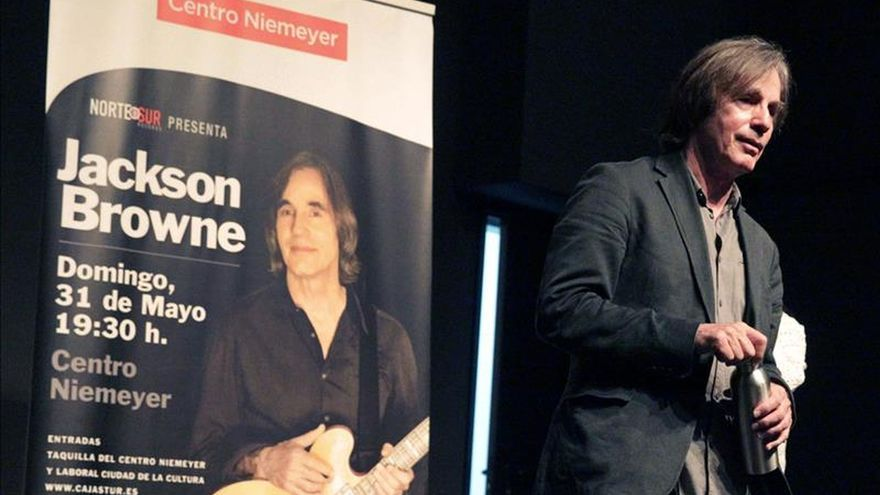 Browne abre en Avilés su gira española con un crítico y personal nuevo disco