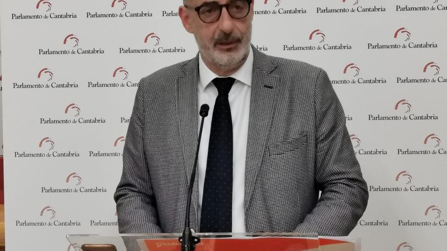 """AMPL Cs denuncia la """"inoperancia"""" del Gobierno de Revilla ante el """"desmantelamiento"""" de la industria cántabra"""