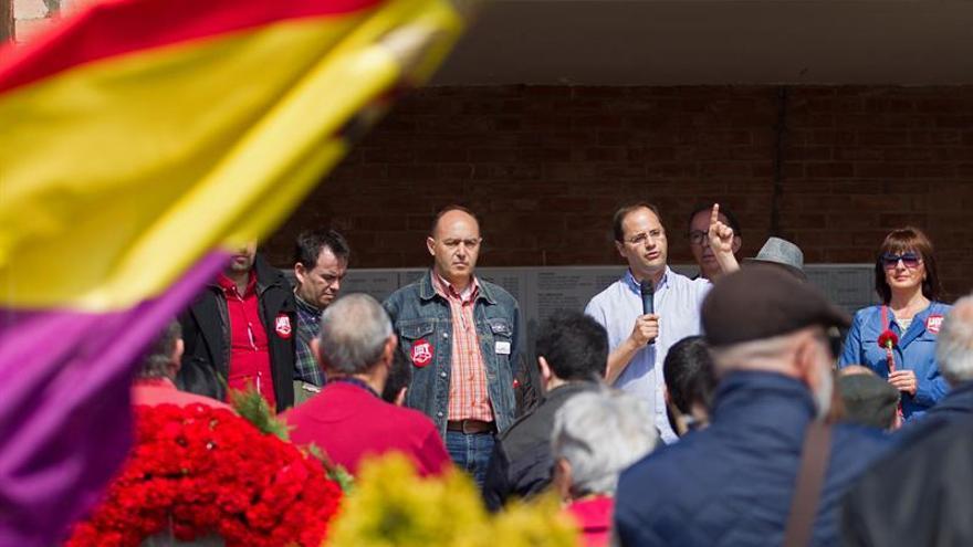 "Luena pide ""que nadie se desanime"" ante ""este momento político inédito"""