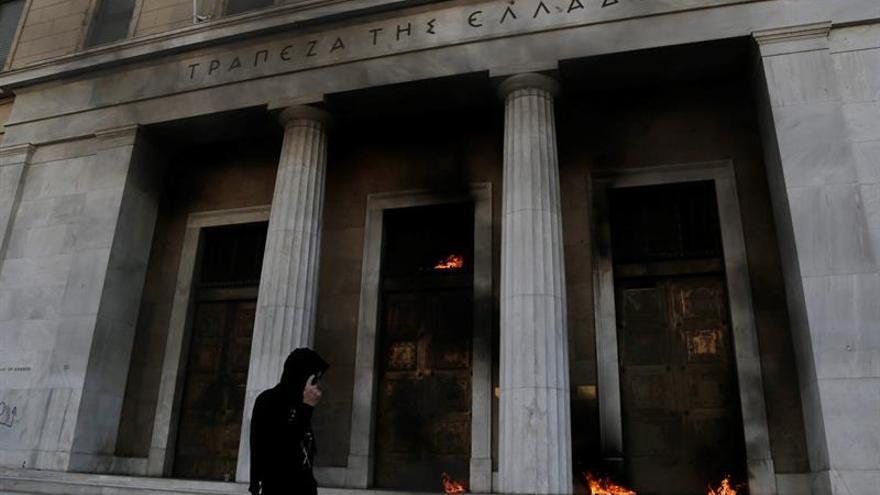 Paro de seis horas de medios atenienses para salvar caja de seguridad social