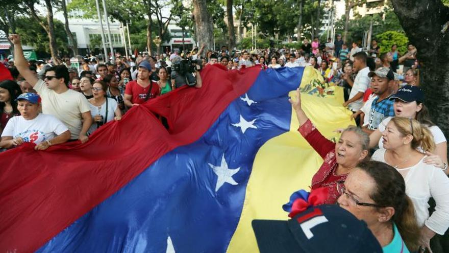 Cruz Roja promueve una recaudación de fondos para atender a los venezolanos