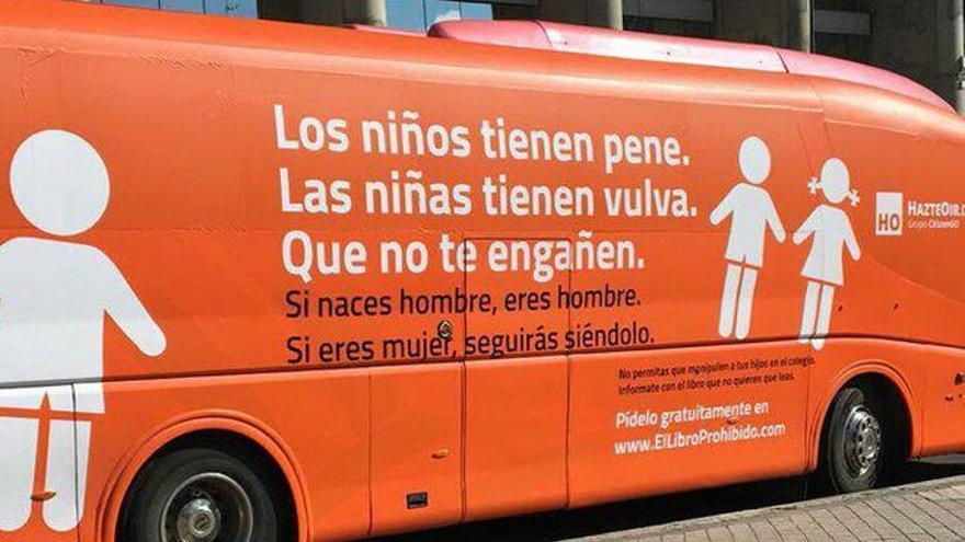 Autobús de HazteOir en Madrid.