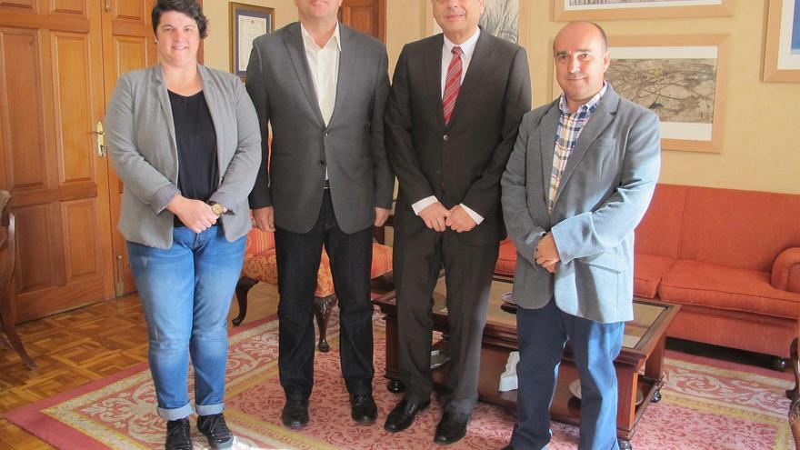De izquierda a derecha:Ascensión Rodríguez, Anselmo Pestana, Francisco Javier Ochoa de Echagüen y José Carlos Martín.