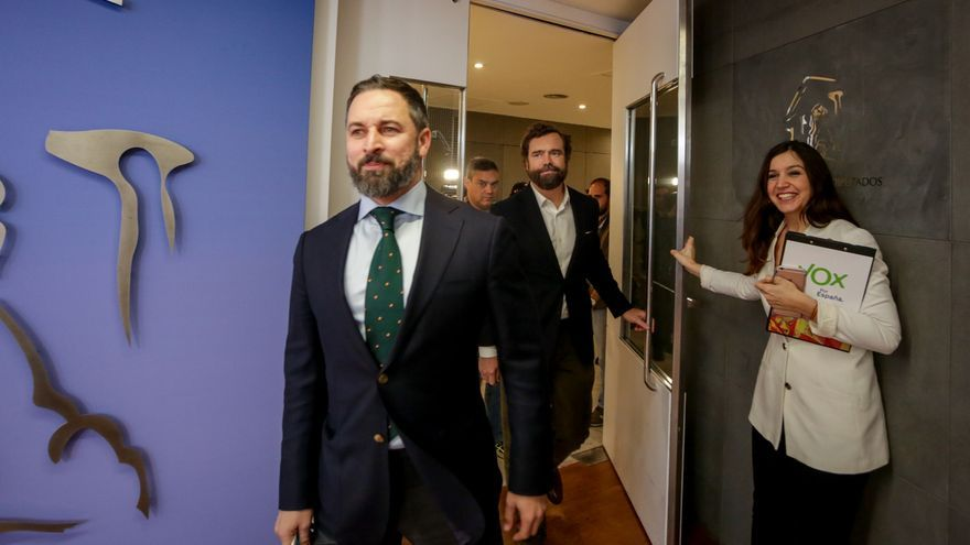 Vox defiende la limpieza de las primarias de reelección de Abascal frente a las dudas de los críticos sobre los avales