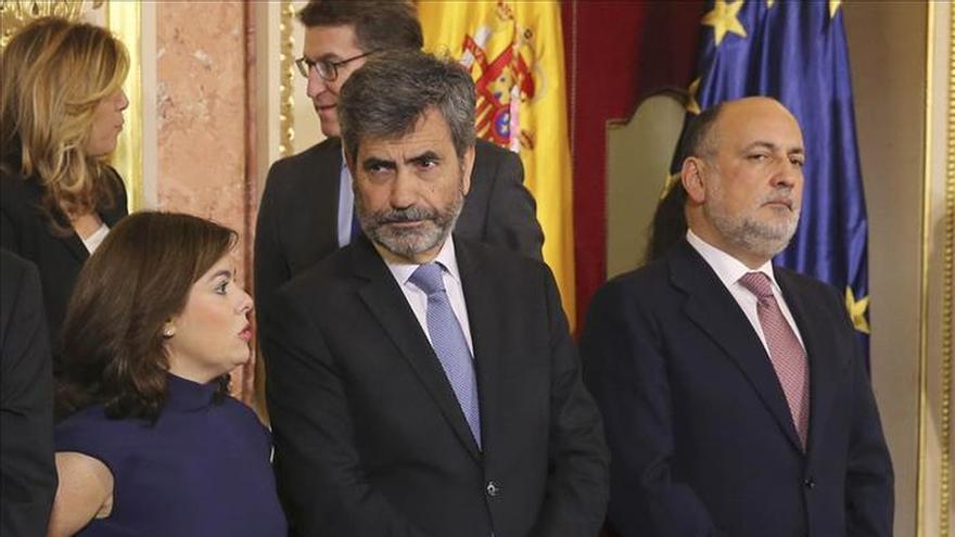 Sáenz de Santamaría: Lo de menina no me importa, pero recoger colillas, no