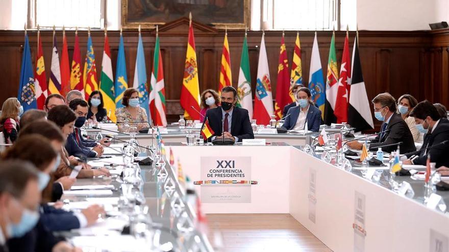 Pedro Sánchez, durante la reunión con los presidentes autonómicos / EFE