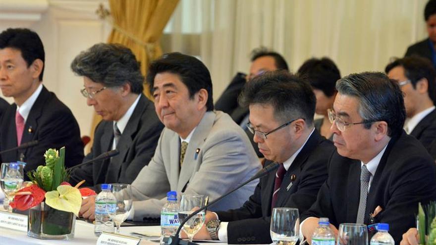 Tokio apuesta por la cooperación económica para acercarse a Moscú