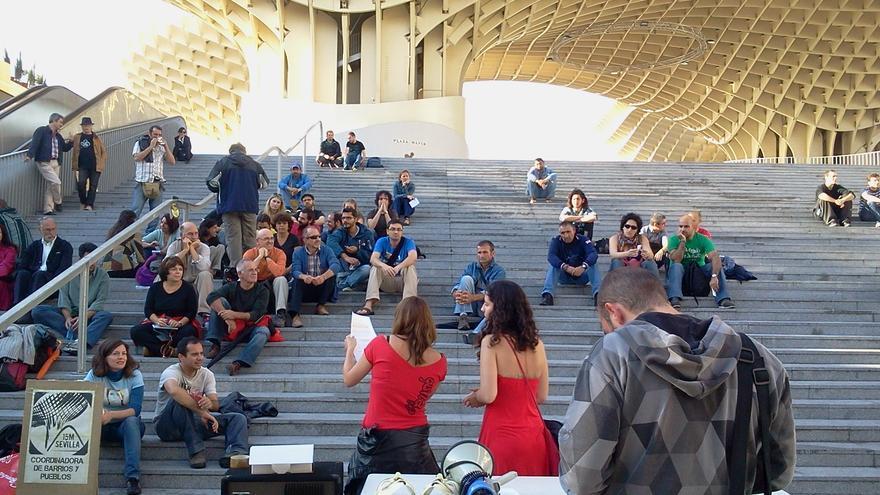 La Asamblea Ciudadana de Sevilla se presenta en las Setas durante el segundo aniversario del movimiento 15M