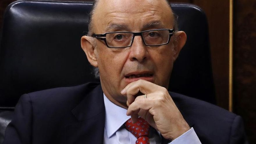 El PSOE pide que Montoro aclare los criterios para repartir el déficit