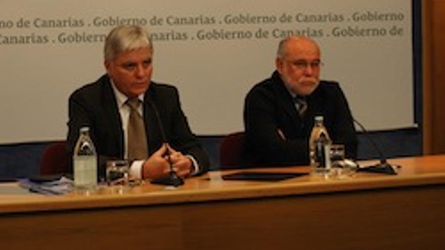 José Miguel Pérez, a la izquierda.