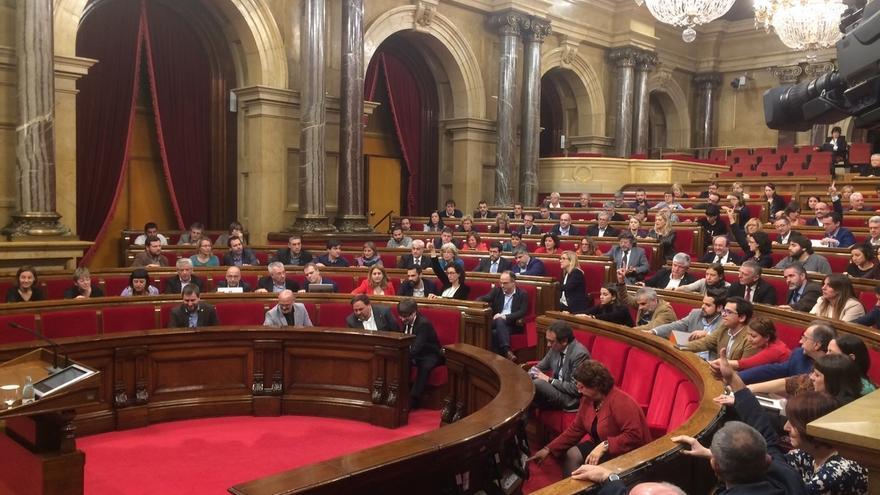 El Parlamento catalán tiene mañana la primera reunión de reforma del reglamento para agilizar la ruptura con España