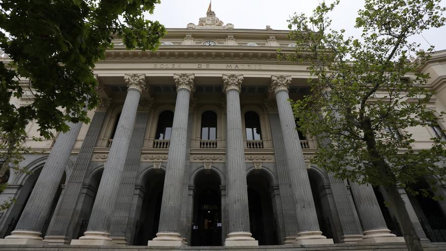 Exterior de la Bolsa de Madrid.