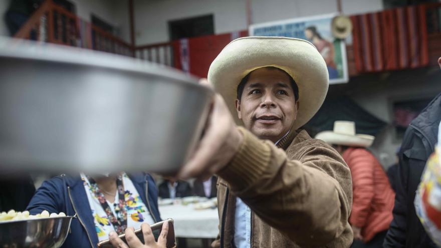 Podemos y Más País felicitan al candidato izquierdista Castillo en Perú