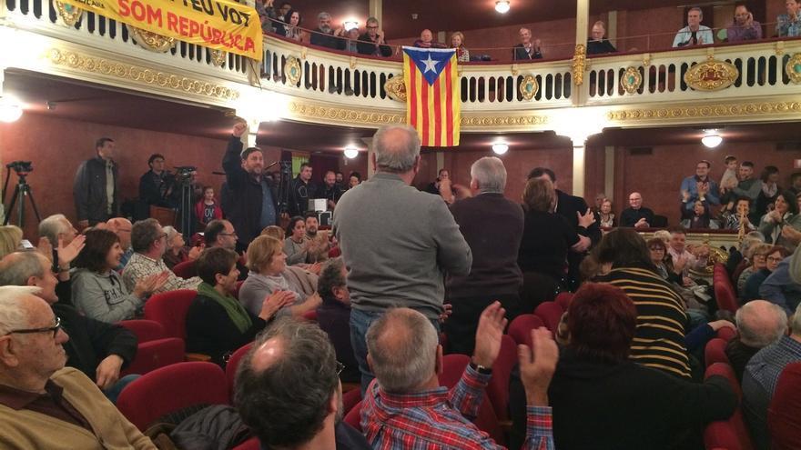 Junqueras critica el golpe a Rajoy y toda violencia, incluidos desahucios y despidos