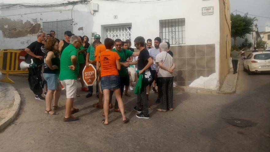Miembros de la PAH habían organizado un acto de protesta pacífica para evitar el desalojo