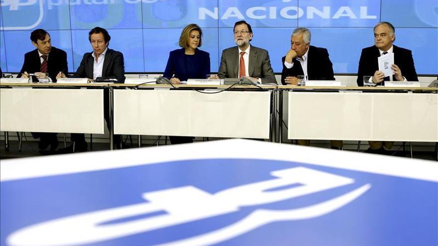 """Rajoy le dice al PP que """"tenemos que ponernos las pilas y continuar trabajando"""""""