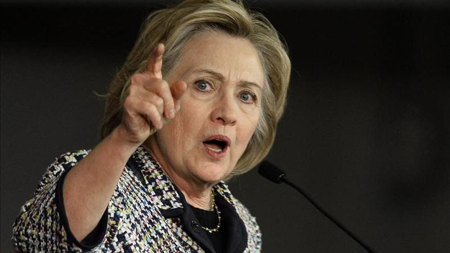 Clinton logra el apoyo de un gran sindicato de EE.UU. para llegar a la Casa Blanca