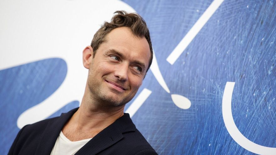 Jude Law, protagonista de 'The young Pope', en el photocall de la Mostra de Venecia