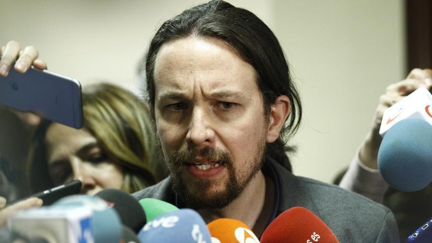 """Iglesias acusa a PSOE y Cs de """"traicionar a España"""" al """"cerrar filas"""" con Rajoy, pero sigue pidiendo su apoyo"""
