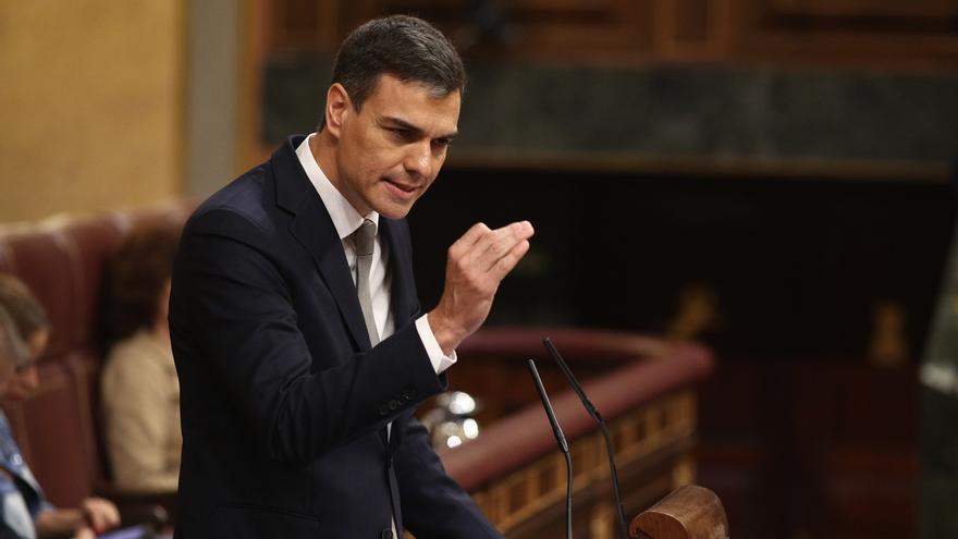 """Sánchez se compromete """"por responsabilidad"""" a mantener los Presupuestos del Gobierno de Rajoy"""