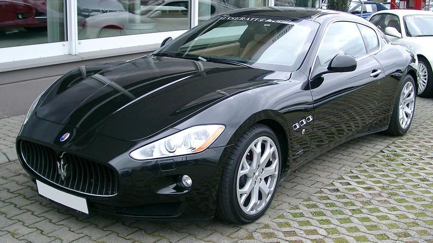 Un vehículo Maserati modelo gran turismo.