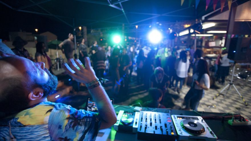 Sesión de DimeCariño DJ