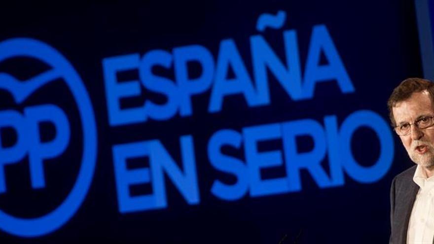 Mariano Rajoy en el mítin de Nuevas Generaciones en Córdoba / EFE
