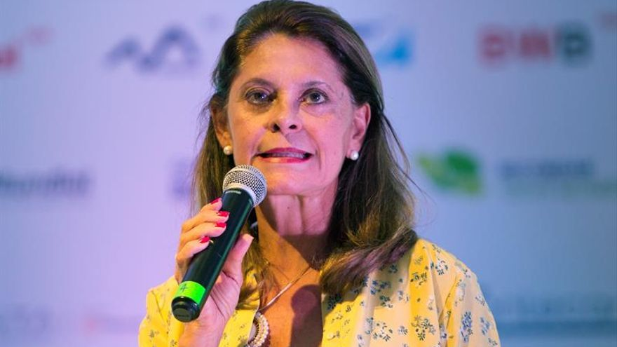 La vicepresidenta colombiana dice que la FARC incumple con la entrega de niños reclutados