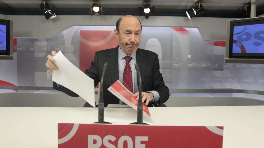 Rubalcaba envía su propuesta de pacto por el empleo a sindicatos, empresarios y grupos parlamentarios
