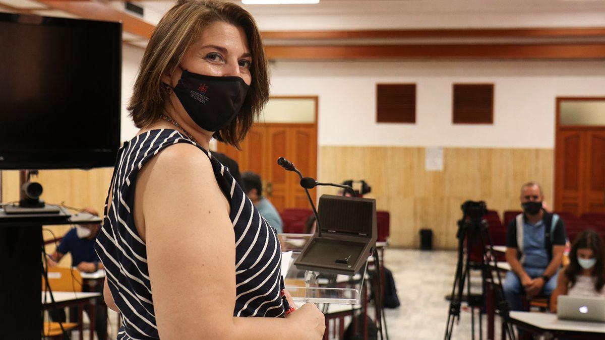Eva Contador en la rueda de prensa en el Ayuntamiento.