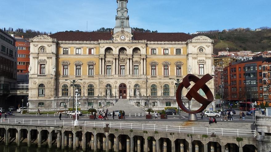 Bilbao aprueba las cuentas de 2020 con 18 enmiendas parciales por 779.500 euros, de las 358 propuestas por la oposición