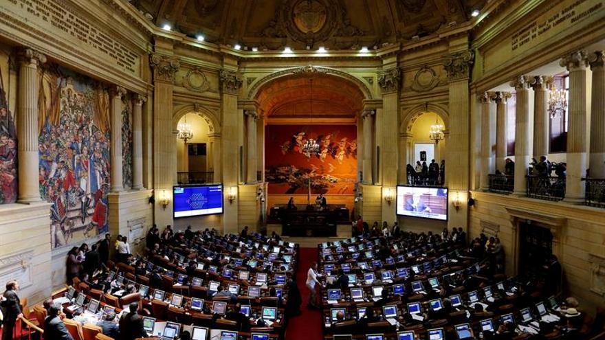 El Parlamento colombiano aprueba un proyecto para proteger a reincorporados de las FARC