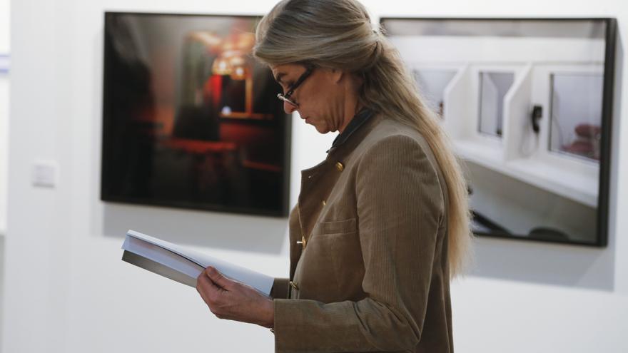 Una visitante en la pasada edición de Arco.