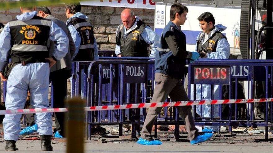 Un joven de 17 años mata a tres policías en Turquía