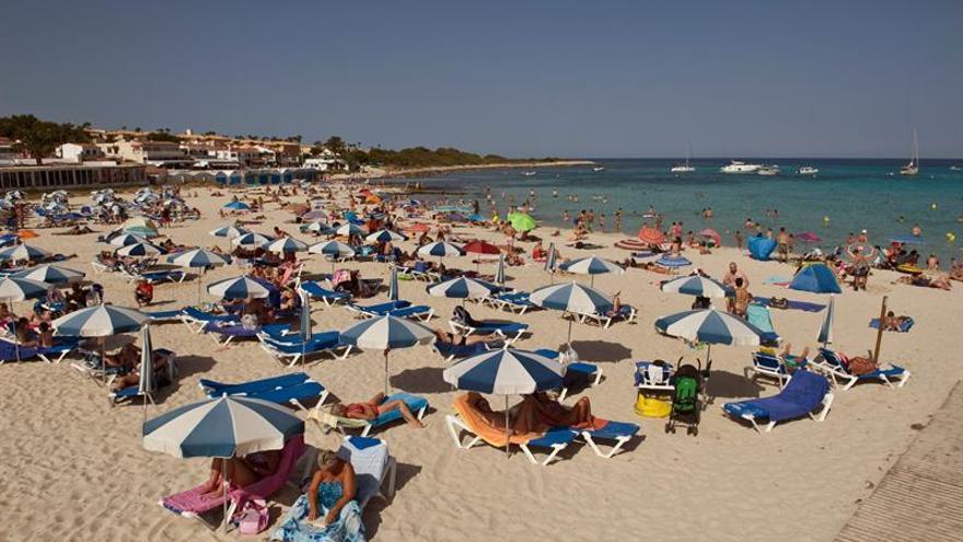 Los turistas extranjeros gastan 24.814 millones hasta mayo, el 6,8 % más