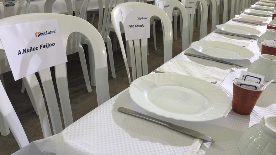 Asientos reservados para Feijóo y Casado en una comida-mitin del PP