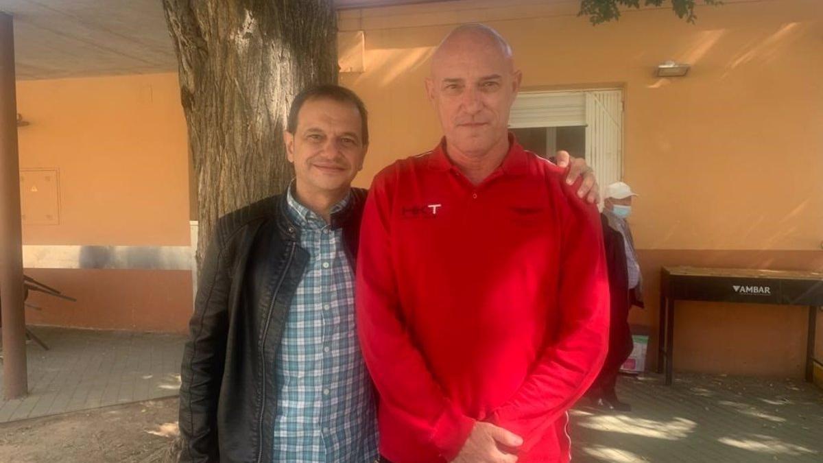 Gervasio Bonel Sanz, a la derecha, junto al concejal de Torrellas Vicente Ortega.