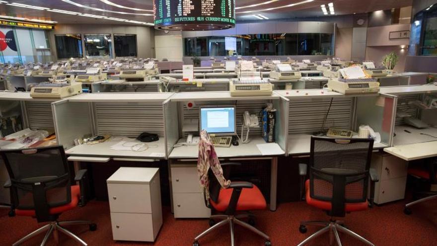 La Bolsa de Hong Kong abre con pérdidas del 1,67 %