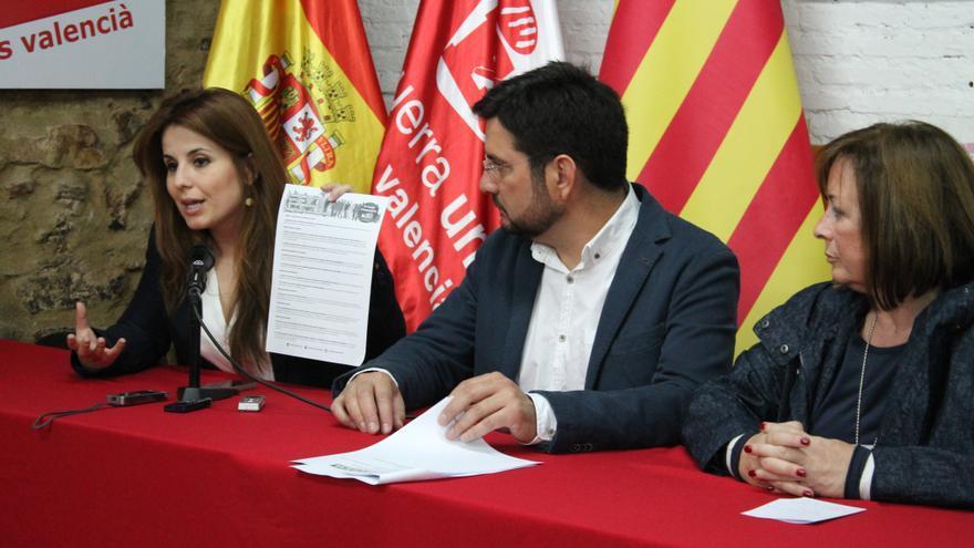 Los diputados de EU Esther López Barceló, Ignacio Blanco y Marga Sanz en rueda de prensa