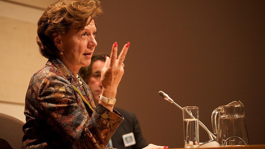 La Vicepresidente de la Comisión Europea N. Kroes