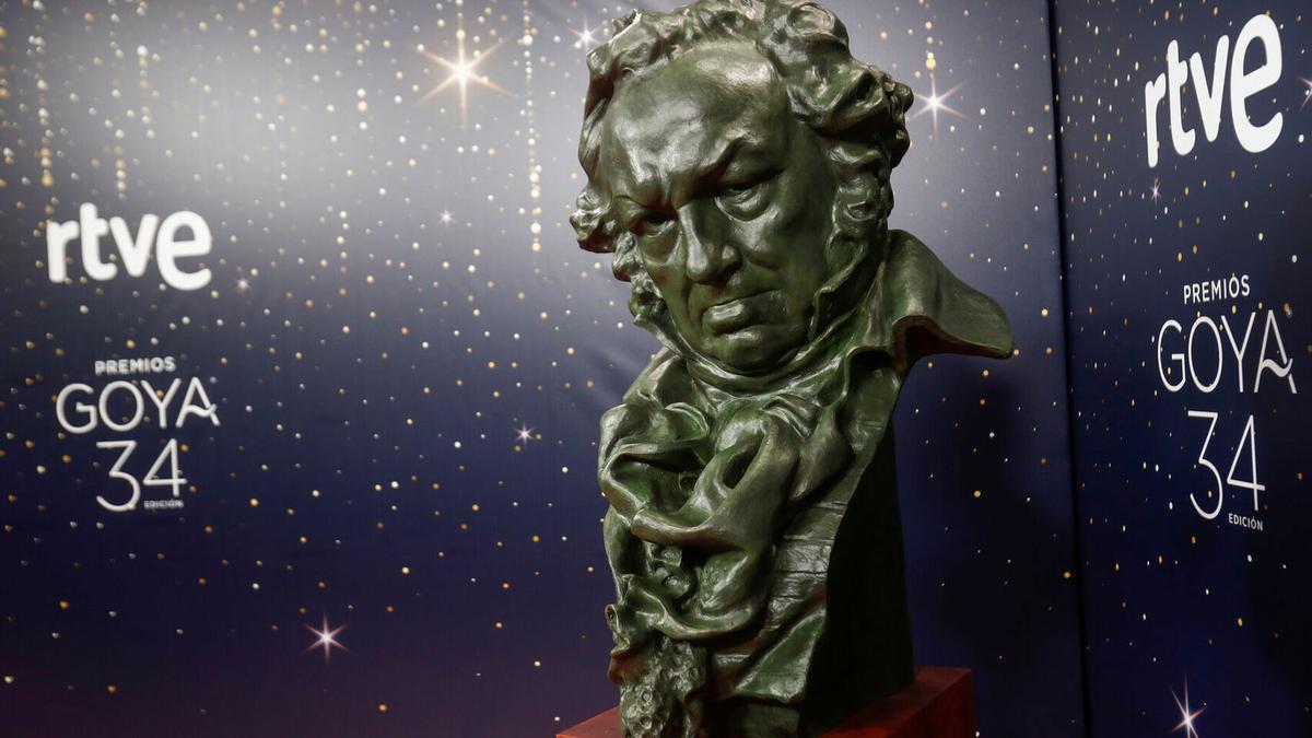 Una de las estatuillas de los premios Goya, que se celebrarán el 27 de febrero