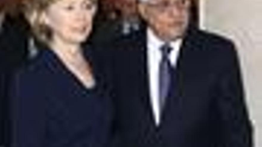 "Clinton alaba los ""pasos positivos"" dados por Abbas"