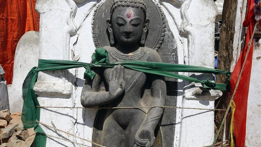 """El Gobierno nepalí da """"máxima prioridad"""" a la reconstrucción de los monumentos"""