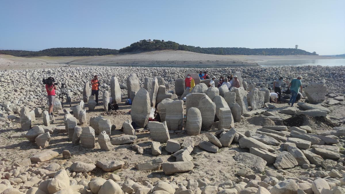 El Dolmen de Guadalperal, en el embalse de Valdecañas (Cáceres) ha emergido este verano