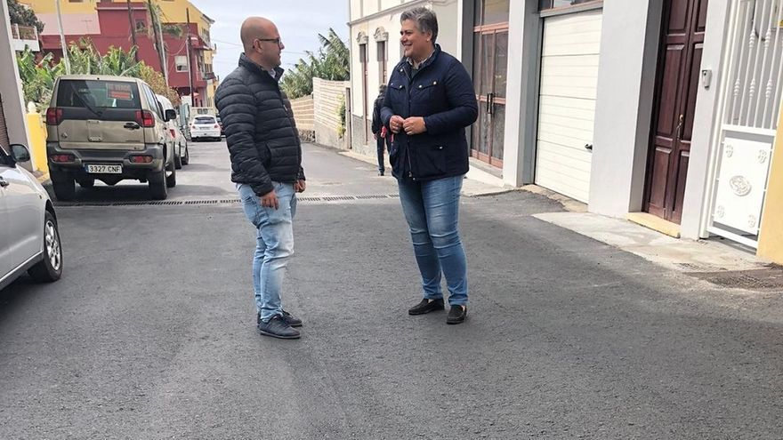 La alcaldesa y el concejal de Obras visitaron el camino de Triana.