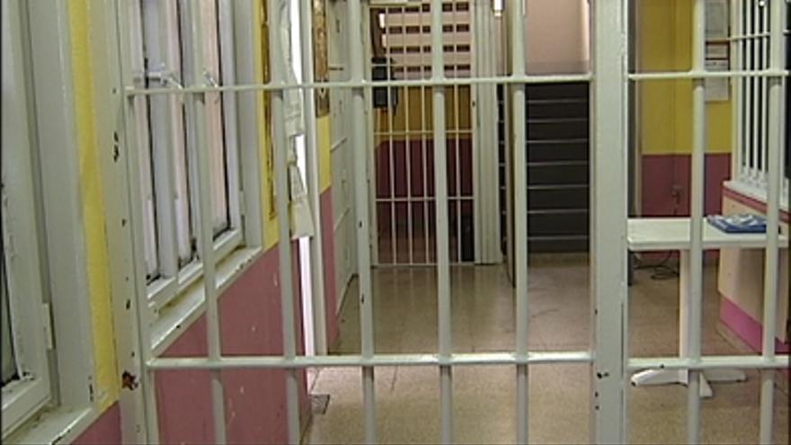 La cárcel de Villabona lleva meses sometida a una fuerte tensión tras la desmantelación de la UTE